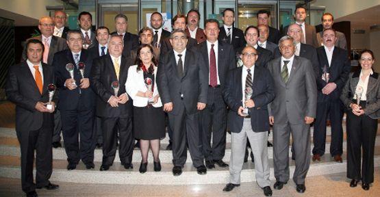 İzmir'de ihracat şampiyonlarına ödül